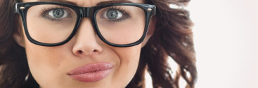 woman-unhappy-with-glasses-velika